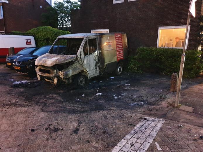 Het is keer op keer raak in Gouda: auto's worden 's nachts in brand gestoken.
