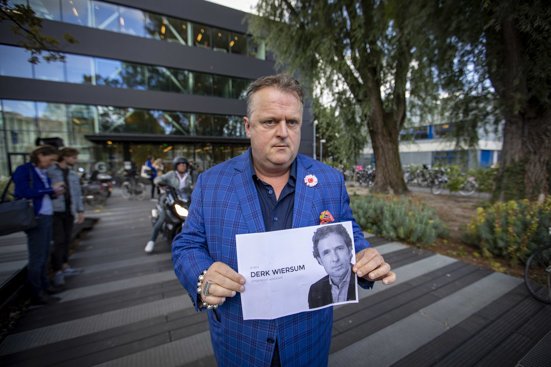 Advocaat Richard Korver na afloop van een bijeenkomst in de rechtbank in verband met de doodgeschoten advocaat Derk Wiersum. Beeld ANP
