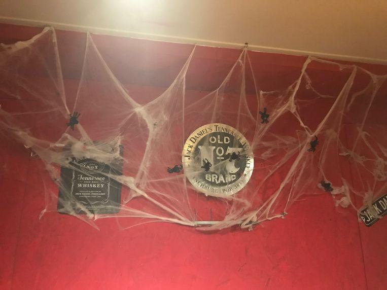 In het bekende Aalsterse spookhuis.