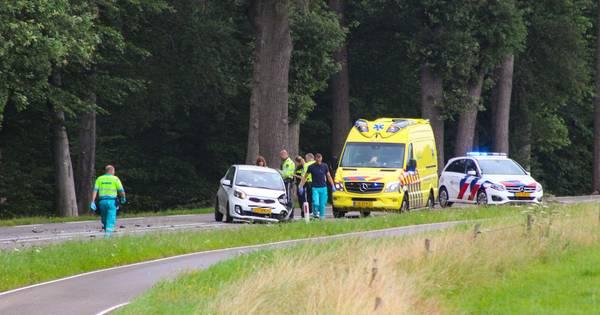 Weg tussen Vorden en Warnsveld dicht na frontale botsing.