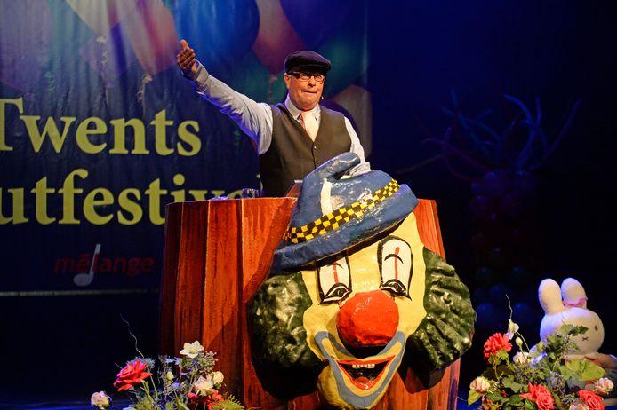 Buutreedners uit Twente, Drenthe en de Achterhoek maken jaarlijks hun opwachting op Het Twents Buutfestival.