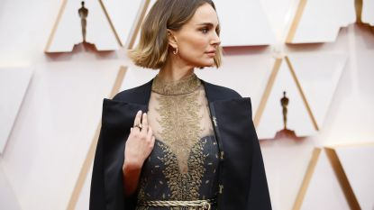 "Natalie Portman onder vuur om ""hypocriete vrouwencape"" bij Oscars"