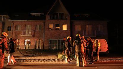 Tiental bewoners geëvacueerd door brand in keuken van appartement