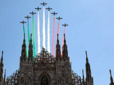 Un impressionnant survol tricolore de l'Italie
