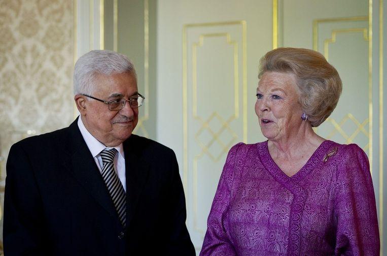 Palestijnse president Mahmoud Abbas met koningin Beatrix op Paleis Huis ten Bosch in Den Haag. Beeld epa