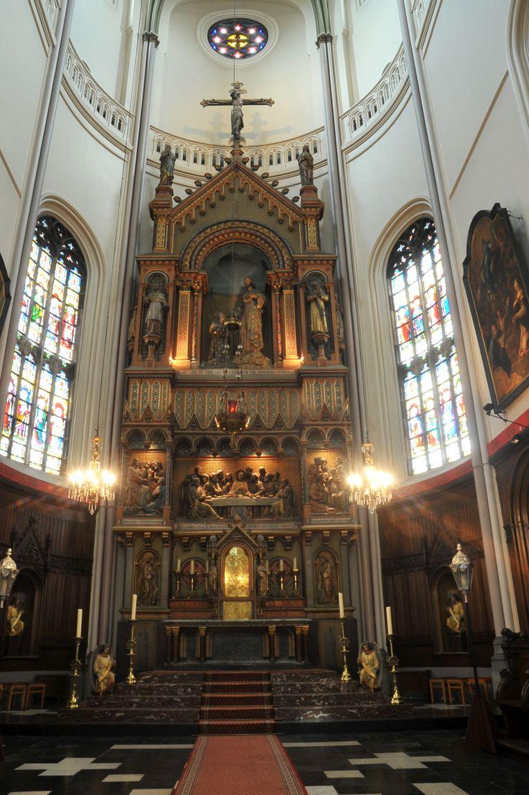 Het altaar in de Sint Gertrudis kerk van Wetteren wordt verder gerestaureerd.