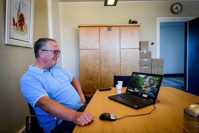Wethouder Arjan Kampman kijkt het tv-programma 'Opstandelingen' terug.