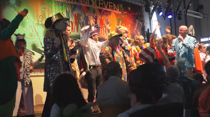 Carnavaleske invasie bij vliegbasis Gilze-Rijen