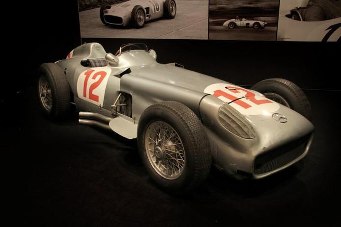 Deze W196 werd ooit bestuurd door vijfvoudig F1-wereldkampioen Jean Manuel Fangio