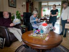 Jan (84) en Riet (82) moeten ermee stoppen door corona. 'We missen jullie'