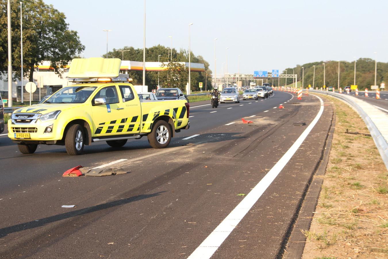 De A1 en de auto na het ongeluk.