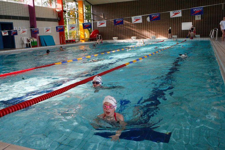 Het huidige zwembad van Landen aan de Sportlaan.