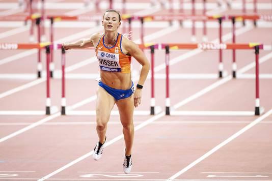Nadine Visser tijdens de finale 100 meter horden op de wereldkampioenschappen atletiek in Qatar.