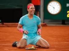 Federer feliciteert Nadal: 'Dertien keer winnen in Parijs is een van de grootste sportprestaties ooit'
