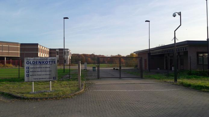 Poort 2 van tbs-kliniek Oldenkotte in Rekken, vier jaar na de sluiting