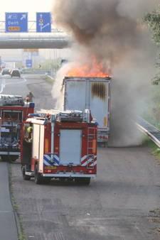 Eén rijstrook A4 eindelijk open na flinke vrachtwagenbrand