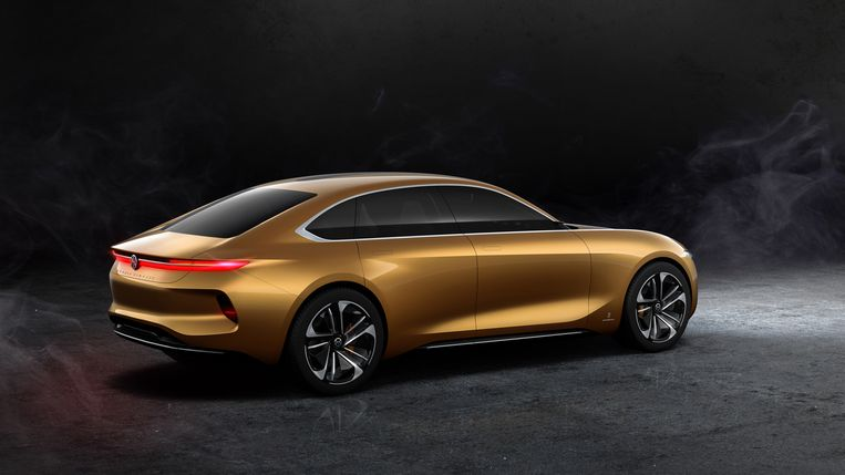 Een luxe sedan met vijf deuren staat ook op de rol
