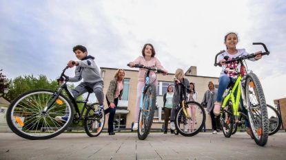 Stad en school De Dobbelsteen kopen fietsen