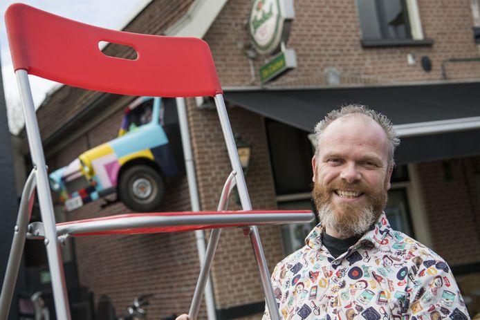 Erwin Kwakman begint in zijn muziekcafé De Cactus met 'anderhalve meter sessies'. Live-muziek, maar dan online.