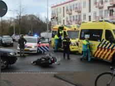 Scooterrijder en automobilist gewond bij botsing