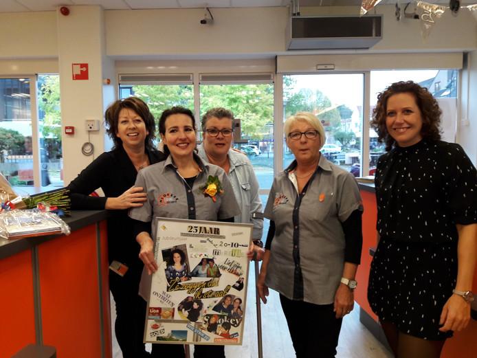 Miriëlle werkt 25 jaar bij Blokker Groesbeek. Foto Joop verstraaten