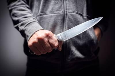 Man uit Raamsdonksveer rijdt door Teteringen met drie messen en een wapenstok in zijn auto