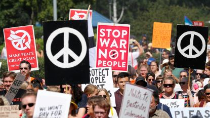 "Protest in Finland tegen Putin-Trump top: ""Fuck you both"""