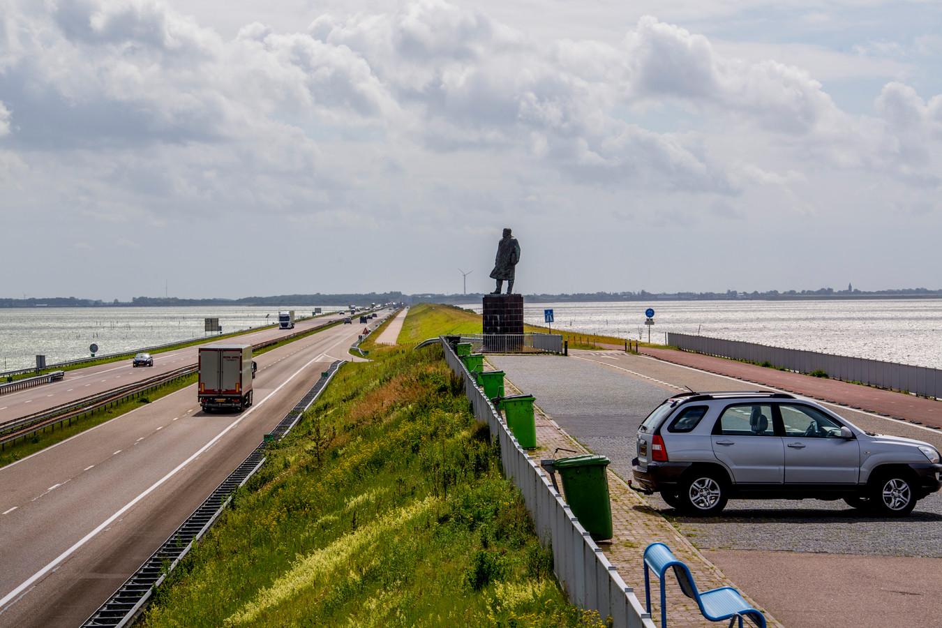 De Afsluitdijk ondergaat de komende jaren een grondige reparatiebeurt.