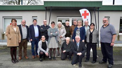 Rode Kruis-leden ontvangen eretekens