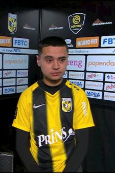 Vitesse-speler ontroostbaar na uitschakeling in eDivisie