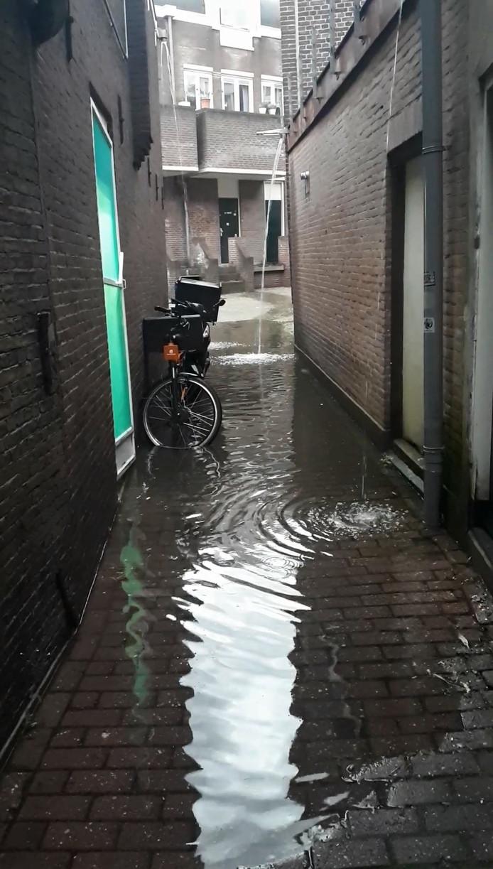 Het Gouds Poortje staat onder water.