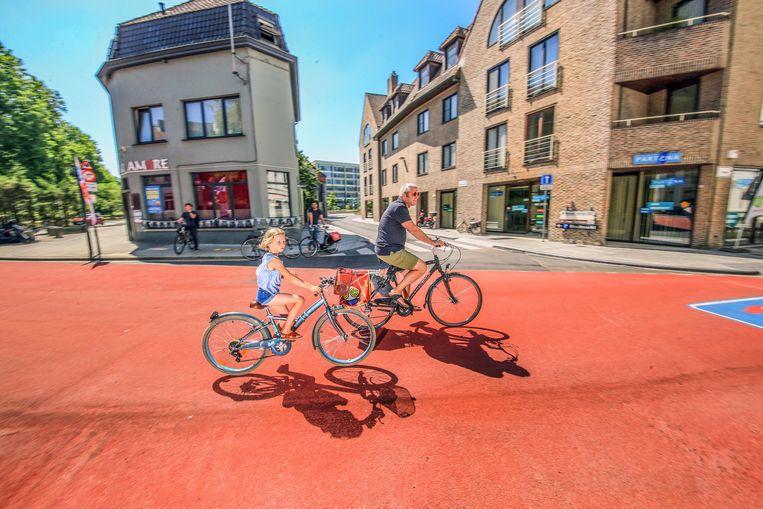 Er worden boetes uitgeschreven voor wie fietsers inhaalt in de fietszone.