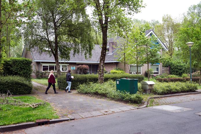 De veelbesproken villa aan de Meentweg, die beoogd is voor huisvesting van jonge asielzoekers.