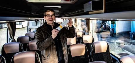 Veilig op groepsreis met de bus? Dit Heinose bedrijf denkt dé corona-touringcar te hebben