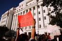Des manifestants pro-avortement devant le Sénat de l'Etat de l'Alabama, le 14 mai 2019.