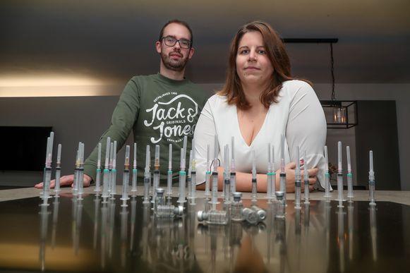 Gert De La Haye (31) en Evy Van Campenhout (29) uit Sint-Katelijne-WaverDe behandelingen - en het arsenaal aan spuiten dat erbij hoort - zijn allesbehalve een pretje.