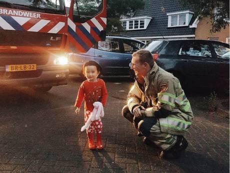 Amersfoortse blij met brandweer die trouwring terugvindt