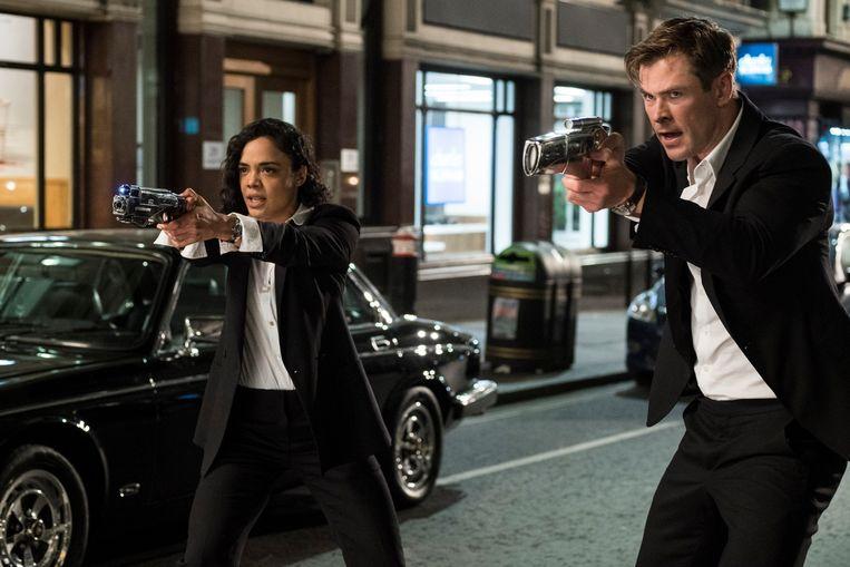 Em (Tessa Thompson) en H (Chris Hemsworth) in Men in Black: International.  Beeld AP
