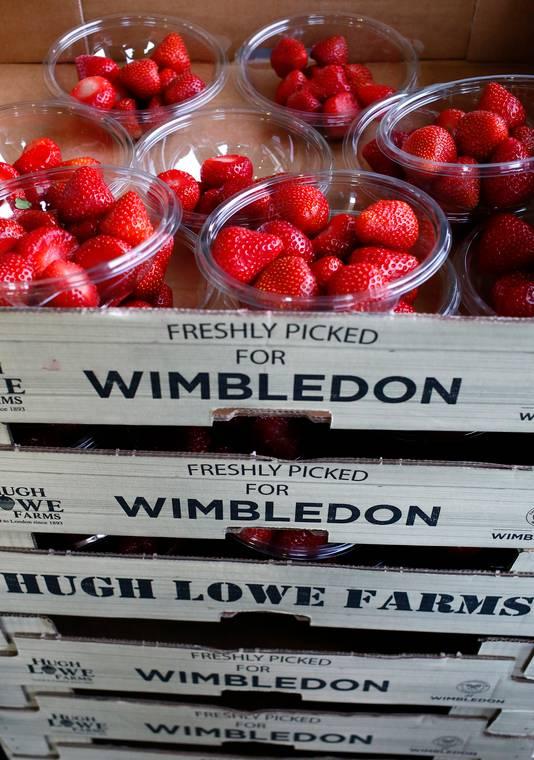 Bakjes met aardbeien voor Wimbledon.