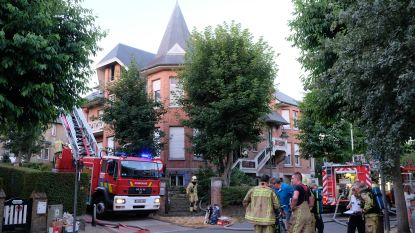 Acht bewoners ontsnappen tijdig aan woningbrand in De Panne