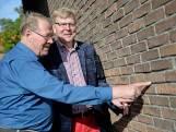 Broers herdenken vergissingsbombardement op Enschede