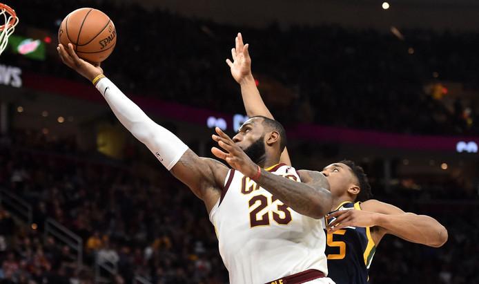 LeBron James in duel met Utah Jazz-guard Donovan Mitchell.