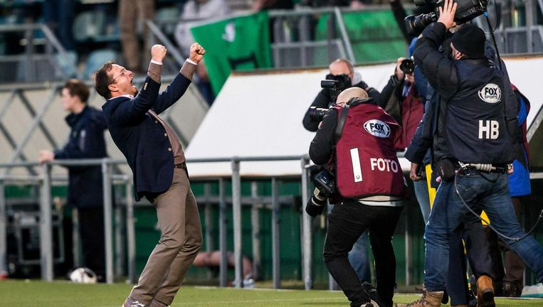 ADO Den Haag trainer Zeljko Petrovic viert de overwinning Beeld ANP Pro Shots