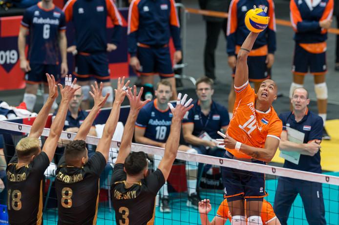 Nederland bleek in drie sets te sterk.