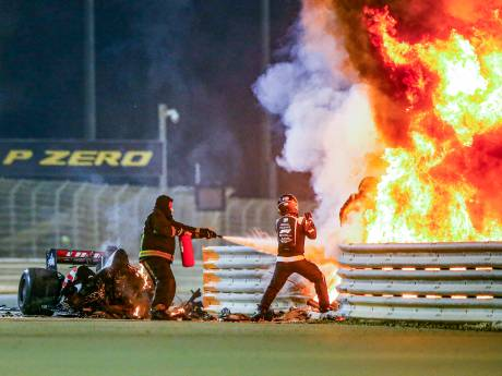 Hamilton wint in Bahrein voor Verstappen, race overschaduwd door horrorcrash Grosjean