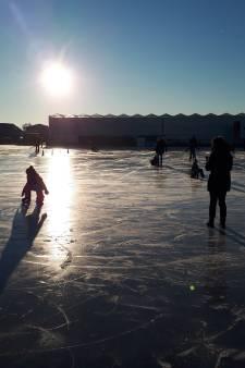 Schaatsen in de buitenlucht kan op ijsbaan in De Lier