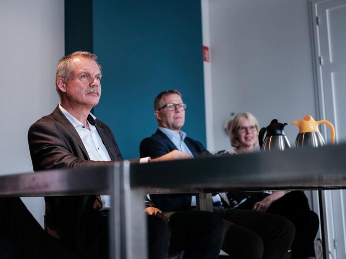 Wethouder Peter van de Wardt (links) bij een eerdere persconferentie over Laborijn.