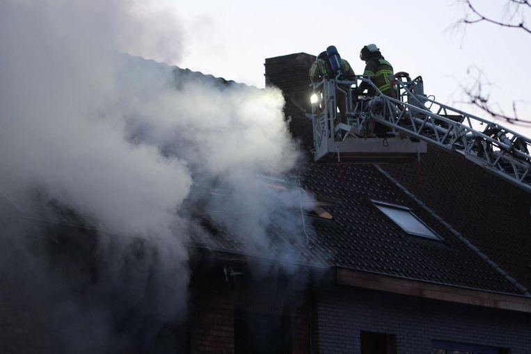 De brandweer stelde alles in het werk om de brand te blussen.