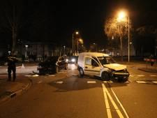 Flinke schade bij groot verkeersongeval in Utrechtse wijk Overvecht