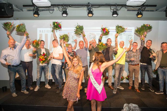 Feest bij de prijswinnende haringboeren na de bekendmaking van de uitslag in Utrecht.